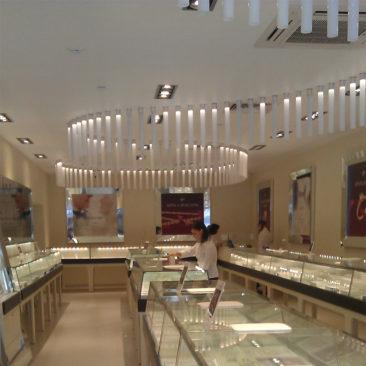 Светодиодное освещение ювелирного салона 585